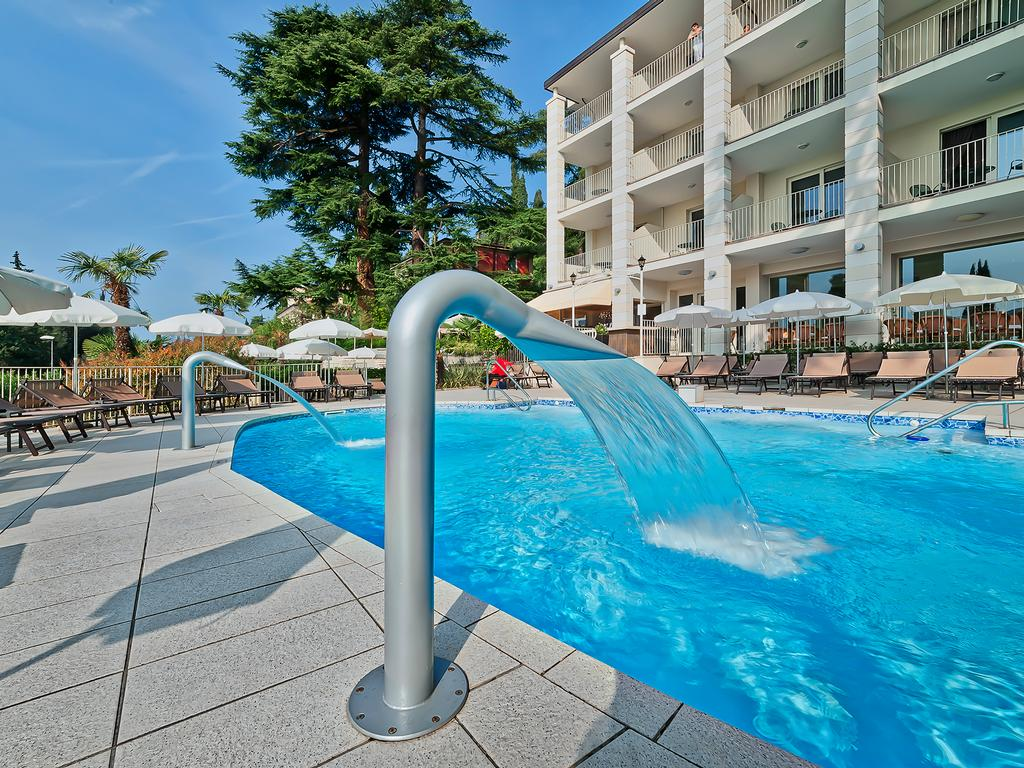 Services   Hotel 4 stars on Lake Garda - Hotel Excelsior Le Terrazze